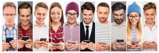Abbildung: Messenger Marketing – unterschiedliche Menschen nutzen Chatmessenger am Smartphone