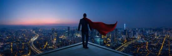 Storytelling für B2B: Held steht auf Dach