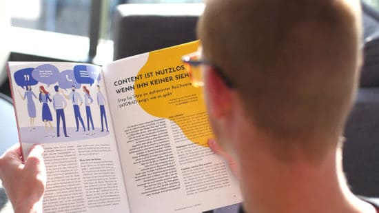 Foto: Gerrit Müller liest im Magazin Corporate Newsroom 2.0
