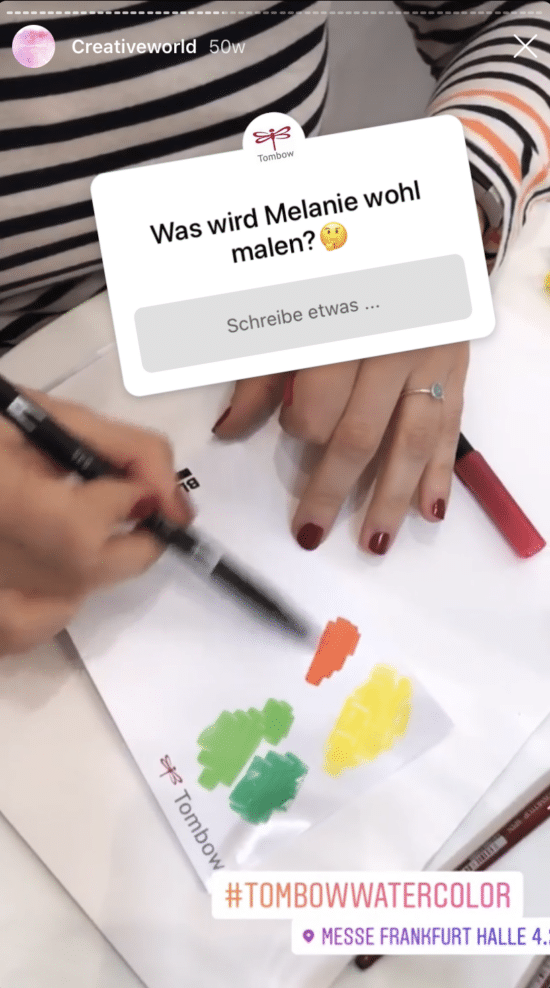 """Instagram Story mit """"Stell eine Frage""""-Button, Hashtag und Geotag"""
